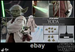 Hot Toys MMS 495 Star Wars Episode II Attack of the Clones Yoda 1/6 Figure NEW